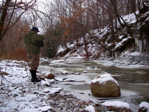 fly-fisherman-winter2